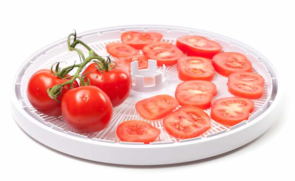 Preparing dehydrated tomatoes